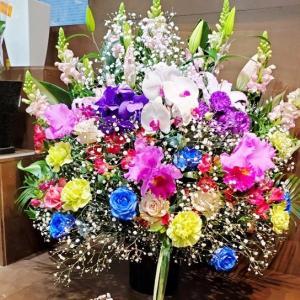 さくじつの笑顔のおはなさんたち-オープン祝豪華スタンド花!