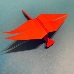 【折り紙で作る赤とんぼ】秋にピッタリ!立体的で簡単な折り方を紹介♪