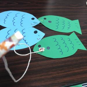 魚釣りのおもちゃを手作りで♪釣竿も工夫してかわいく★画用紙工作