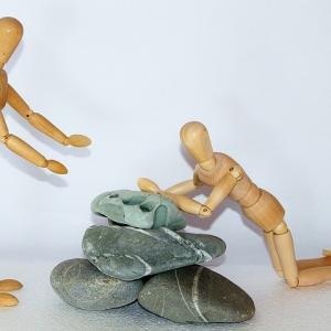 衣服や履物で「転倒によるケガ」を防ぐ方法を紹介します。