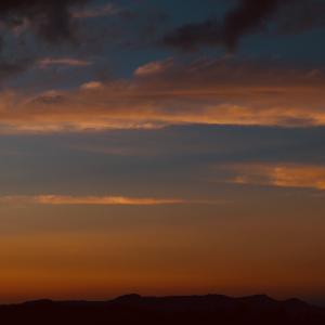 異常気象も多いけど、奇麗な夕焼けも多い不思議な年ですね(^_^;)