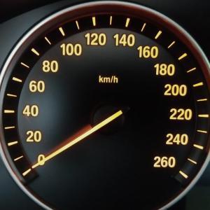 車のスピードメーター誤差を知っておく