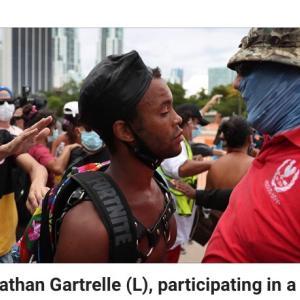 自分のInstagram投稿動画にて容疑を確定させる抗議デモ参加者