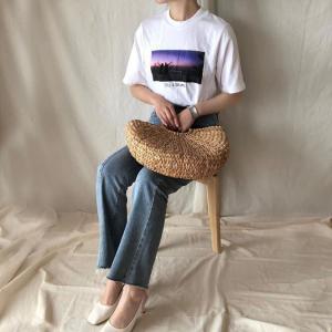 2020年のTシャツは「フォトT」「ロゴT」でお手本コーデ!