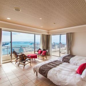 石垣港を見下ろす全室オーシャンビュー  ホテルイーストチャイナシー