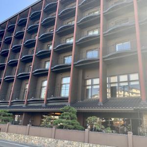 函館・湯の川温泉「ホテル万惣」宿泊記!夕朝食は豪華バイキング