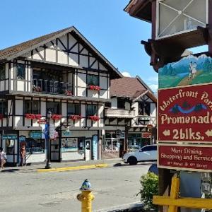 ドイツ村レブンワース(Leavenworth)の街並みを見てきた!