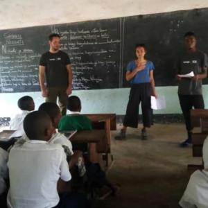 自慢の娘がタンザニアから送ってきた写真!
