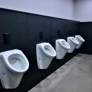 隣の人にちんこの臭いが!?トイレの時のちんこの臭いの原因と対策!!