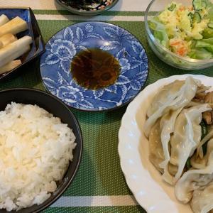 8月5日の晩ごはん – みよしの餃子と野菜炒め