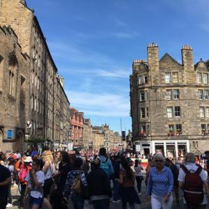 【ヨーロッパひとり旅】観光2日目☆ロンドンからスコットランドへ列車移動! ミリタリータトゥーを鑑賞!