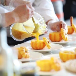 【ル・クルーゼ感想】煮物を作ってもやっぱり美味しい? かぼちゃ煮や鶏のすき煮をル・クルーゼで作ってみました!