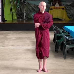 新設瞑想センター情報2「チェコ人比丘に訪れた障壁」