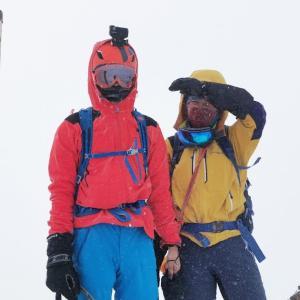 厳冬期のテント泊、八ヶ岳最高峰の赤岳に挑戦したら強風と極寒だった。