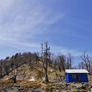釈迦ヶ岳で初めての避難小屋泊をしたら超快適だった。