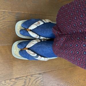 【寄稿記事のご紹介】カジュアル着物をラクに楽しめる、履物選びの秘密