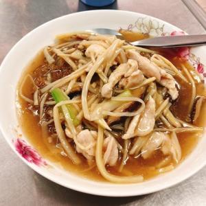 タイのゴイシーミー(中華風あんかけ焼きそば)が美味しい
