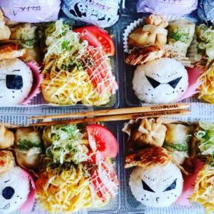 ツッパリライス付きチキンカツレツ&麺弁当♪おにぎりがいっぱい^^