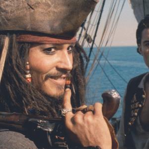 映画『パイレーツ・オブ・カリビアン/呪われた海賊たち』の英語名は?