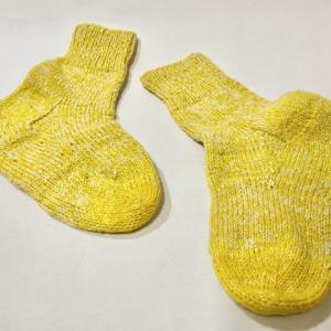冬の靴下、物色中