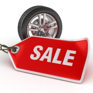 スタッドレスタイヤを安く買うタイミングとは?【結論:シーズン前がオススメ】