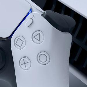 PS5「DUALSENSE」のミュートボタンはワンタップでマイクミュート、長押しでゲーム音を含めた全てを消音可能。ミュート時はLED点灯など詳細判明