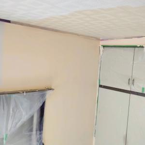 ヤニだらけの空き部屋を塗り替えで一新