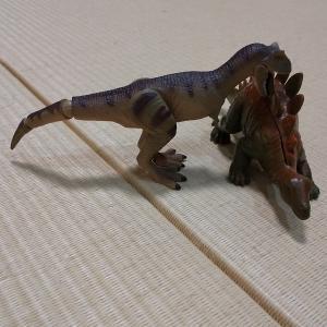 子供達がティラノサウルスを見たいと言うので。。。