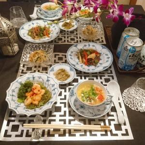 次女のリクエストは炊き込みご飯的なものと海老のお料理