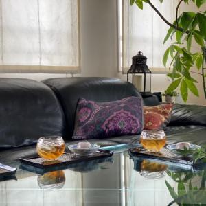 葛饅頭と青紅葉で涼やかなお茶の時間