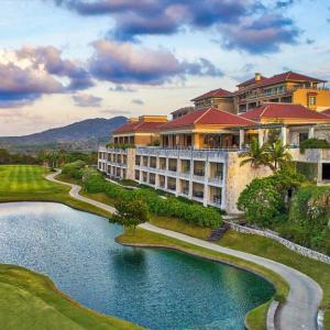 ザ・リッツ・カールトン沖縄 | ゴルフ場に囲まれたリゾートホテル