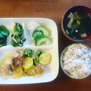 ミニマリストにプレートのお皿のすすめ 食器もミニマルに【1皿で3皿分】