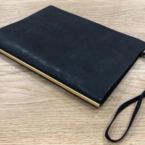 シンプルで洗練されたPLOTTERの手帳【プエブロ・A5】