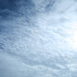 今日の雲 「ヒツジの群れがやってくる。」