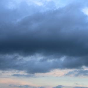今日の雲 「1000人越え」