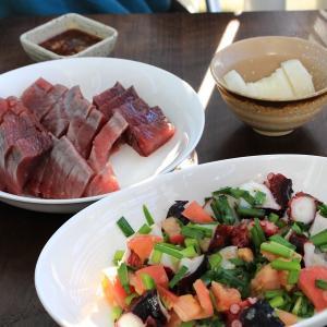 【今日のおつまみ】カツオの刺身とタコのサラダ