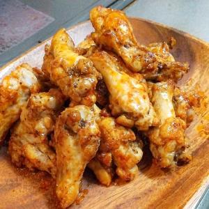 【今日のおつまみ】鶏手羽のピリ辛ケチャップ焼き