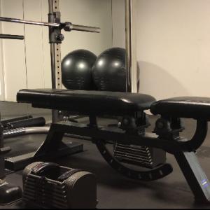 【体重50キロ台】ベンチプレス高重量(MAX)上げる為に実際に行っているダンベルメニュー&実演も交えて解説。