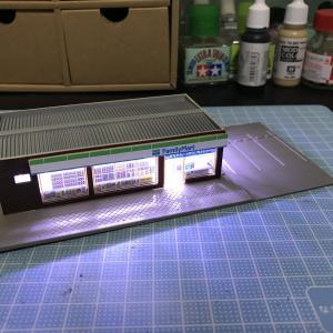 Nゲージ コンビニの電飾化とジオラマ制作3