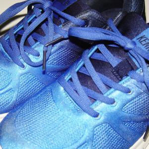 靴は物語る。