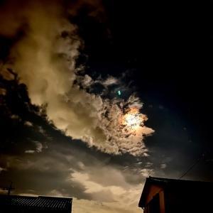 月暈と爆焼け
