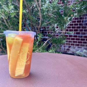 茶季 EAT PLAY WORKS 広尾 に実際に行った感想。ディスプレイやメニューの写真もご紹介。