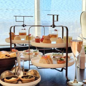 フォーシーズンズホテル東京大手町 The Lounge のアフタヌーンティーに行った感想やメニューを写真付きでご紹介します