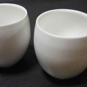 真っ白な陶磁器