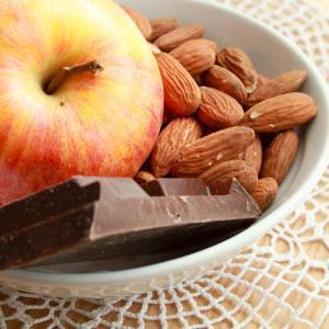 食欲異常や爆食い、甘いものばかり欲しい時は十分な栄養素がとてれていないのかも