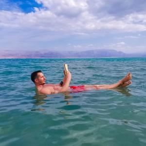 クロールを楽に泳ぐコツ!!無限に泳げる!?