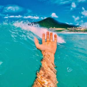クロールを楽に泳ぐポイントは入水位置!!