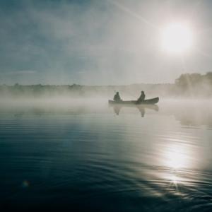 【キャンプ初心者】湖畔キャンプがおすすめな理由と楽しみ方