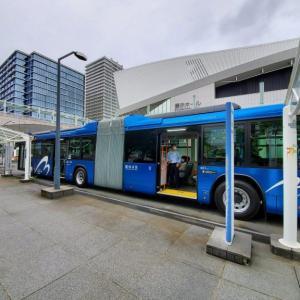 長い連節バス「ベイサイドブルー」運行開始。ルートや運賃、乗り場は?