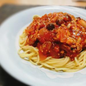 栄養満点!超簡単なトマト缶&サバ缶パスタ